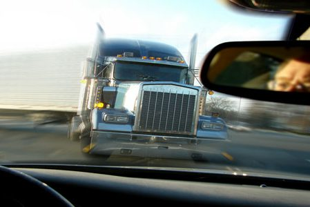 Columbia MO man recovers from head injury caused by truck accident
