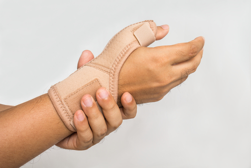 Factory Employee with Carpal Tunnel Injury Recovers Workers' Compensation Benefits