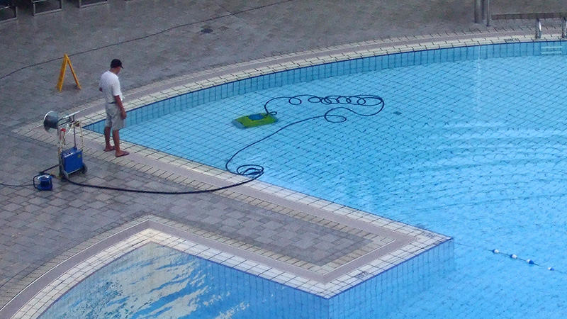Guest at Lake of the Ozarks Resort Receives Settlement for Knee Injury Suffered in Fall at Pool