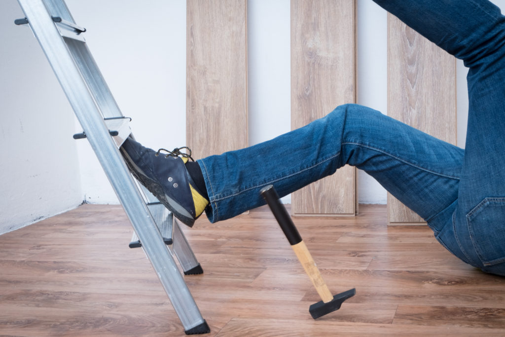 Injured Worker with Torn ACL Receives Settlement